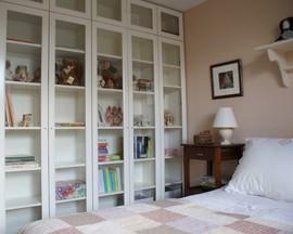 IKEA,BILLY,書棚,ガラス扉